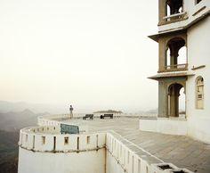 serenity now      platzleben:    Geordie in Rajasthan, India.