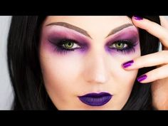 Julia Graf: Halloween Series: The Sorceress (Purple Witch)