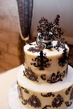 gothic cake | ... cake toppers on their goth wedding cake, including chocolate wedding