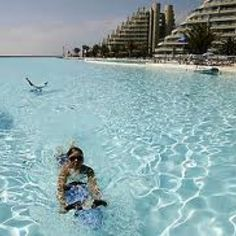 World's largest pool
