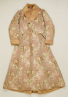 Man's floral-print silk dressing gown, French, 1820-30.