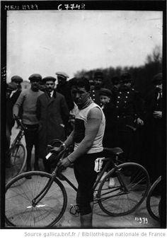 Lafourcade, coureur cycliste : [photographie de presse] / Agence Meurisse - 1