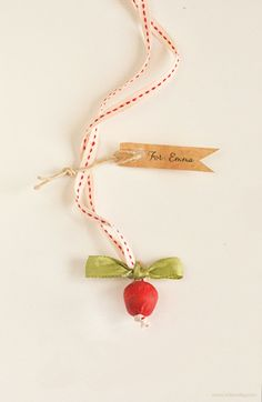 Back to School Craft: Make an Apple Necklace | willowday