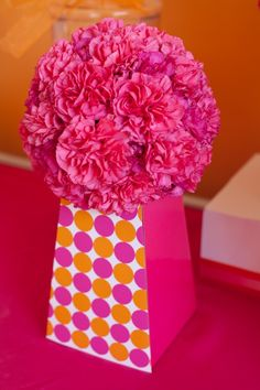 DIY: Designing Centerpieces to Match Your Party - #DIY #partydecor
