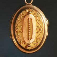 Gold filigree locket - 18k yellow gold - antique french jewelry - Victorian pendant