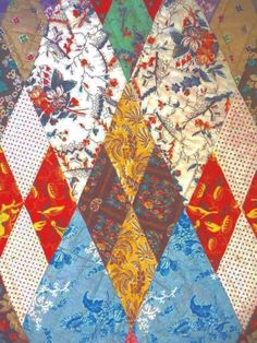"""Antique Quilt c 1850s sumptuous Chintzes New England from cowhollowcollectibles on Ruby Lane; 76x88"""", hand quilted 7/8 inche diagonal lines within the edging pyraminds, 6-7 spi"""