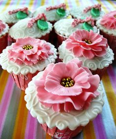 Springtime Theme Wedding Cupcakes by Thecupcakelicious, via Flickr