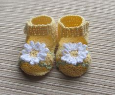 Instant Download Number 102 CROCHET PATTERN Baby Girl Sandals 3-6 Months