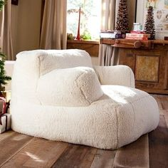 The chair that is like sitting inside a marshmallow. | 30 Impossibly Cozy Places You Could Die Happy In