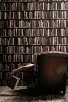 Papier peint trompe l'œil Bibliothèque rétro couleur - Designer : Christophe Koziel