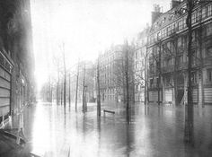 1910.....BOULEVARD HAUSSMAN......CRUE DE LA SEINE.............