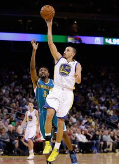 12.18.12 | Stephen Curry added 13 points, five rebounds and three assists.