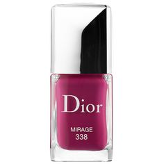 Fact: You can never go wrong with @Dior. Their new long wear gel polish is definitely foolproof.