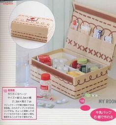Reciclagem - caixa de sapato  e embalagem tetra pak que se transformam em caixa de remédios.