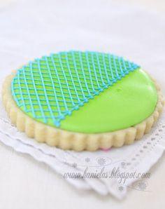 Tutorial and Cookies By:Haniela Pinned By: #TheCookieCutterCompany www.cookiecuttercompany.com #decorated #cookie #tutorial