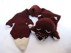 Via Caffaknitted's blog.  Knit plush fox scarf.  I think there is a free pattern available, too.  Sweater Coat #coatforwomen #SweaterCoat #Sweater #Coat #watsonlucy723 #topsweater www.2dayslook.com