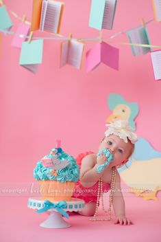 © Heidi Hope Photography #photographer #photography #portrait #baby #cakesmash #1year #birthday #sweetindulgence #cake #smash