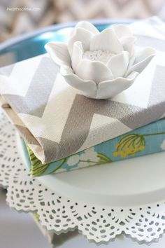 Books covered with fabric... simple and inexpensive!  #DIY #homedecor