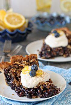 Blueberry Crumble Pie - SugarHero