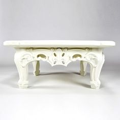 17 century royal french decor.. in plastic!