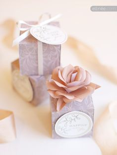 DIY wedding favor box, tags, and paper rose by Ellinée