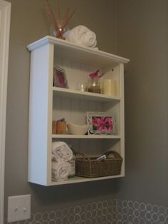 bathrooms decor, small bathrooms, bathroom ideas, border, bathroom shelves, bathroom decor, diy, guest bathrooms, decor idea