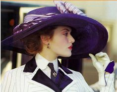 Loved this scene from Titanic...as she steps out of the car her hat fills the screen...her head down..the music changes and she looks up and omg I knew I'd love this movie❤❤