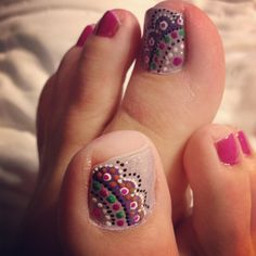 Doily toenail art