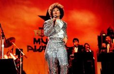 SELENA QUINTANILLA, female vocalist of the Year for 1987, singing on stage during the Seventh Annual Tejano Music Awards (3/23/87).  PHOTO BY PHILIP BARR / EXPRESS-NEWS STAFF PHOTOGRAPHER