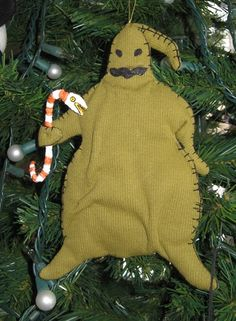 awesome oogie boogie ornament!!