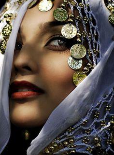 head scarfs, fashion, beauti, beauty, veil, bohemian style, head coverings, eyes, gold coins