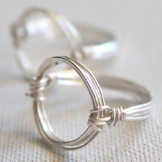 Learn how to make a circle ring with this awesome tutorial. With this Wire Wrapped Circle Ring Tutorial you will learn how to make a gorgeous wire ring, plus pick up general DIY ring making tips. This tutorial also has a video included to help with your ring creation.