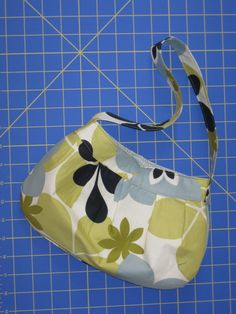 Fat quarter projects (buttercup bag and wallet) - PURSES, BAGS, WALLETS