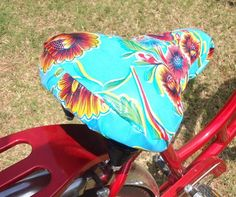 omg look at this bike seat cover!