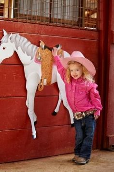 How to Plan the Best Horse Theme Birthday Party Ever...lots of cute ideas.  Includes mock schedule for party.