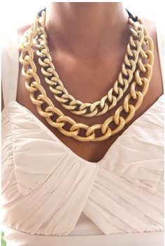gold chains   Keep the Glamour   BeStayBeautiful