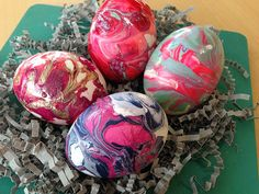 How to Make Marbleized Easter Eggs Using Nail Polish >> http://blog.diynetwork.com/maderemade/how-to/diy-nail-polish-marbled-easter-eggs/?soc=pinterest