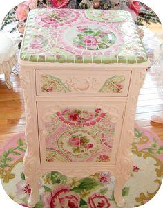 Mosaic table--Love it!!