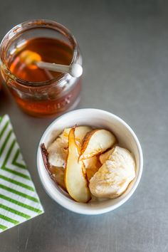 Ice cream with grilled fruit and honey