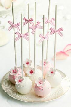 Pink cake-pops!