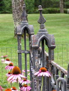❥ beautiful rustic iron gate