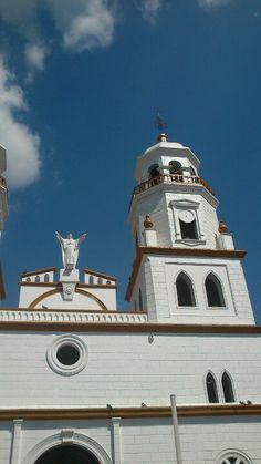 Iglesia principal en Floridablanca, Santander, Colombia.