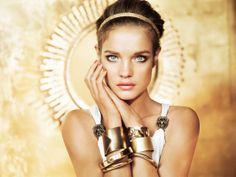 Khôl Me Kajal de Guerlain http://www.vogue.fr/beaute/shopping/diaporama/crayons-a-options/12719/image/744697#!2