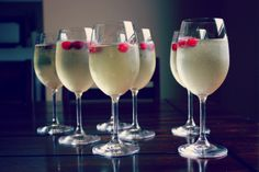 meet.make.laugh.: meet.make.white cranberry mimosa.