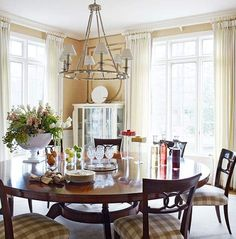 Dining Room - round table