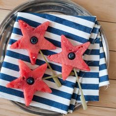 Holy cow, I just realized it's time to start looking for FOURTH OF JULY recipes! :O    Boozy Watermelon Stars | Domestic Fits via Design {on} Paper