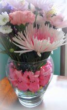 A {Sweet} Spring Arrangement