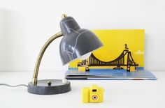 Jolie lampe grise leshappyvintage.fr