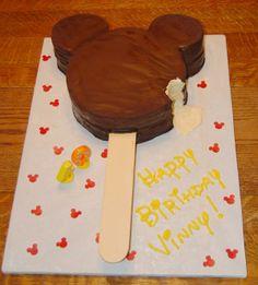 Mickey ice cream bar cake.... WANT!!