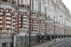 Apartments in South Kensington, #London. http://www.nyhabitat.com/blog/2014/09/03/live-like-local-south-kensington-london/